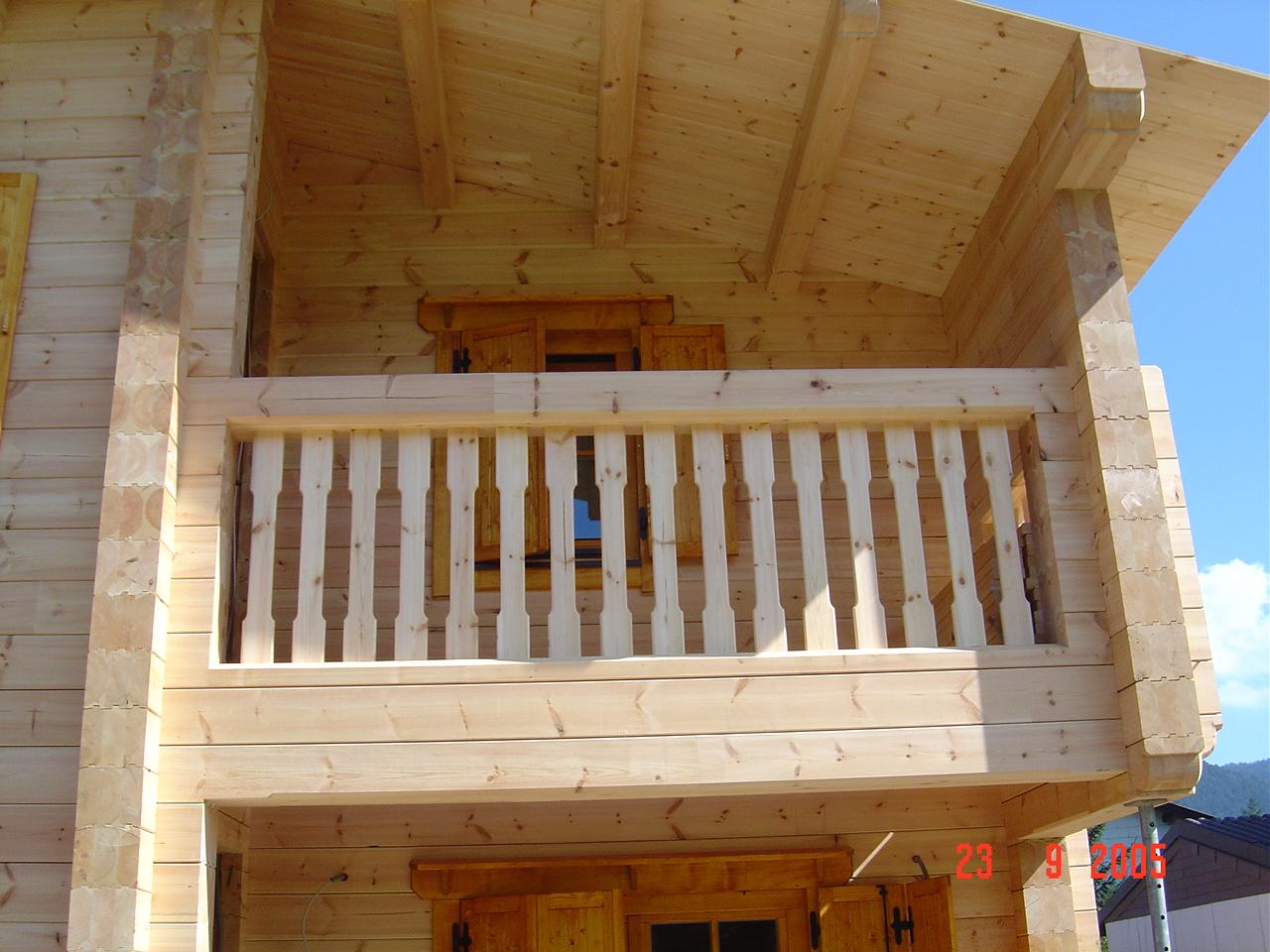 myGartenhaus24_baut_aus_Holz_Ihr_Traumhaus_und_Blockhaus_balkon