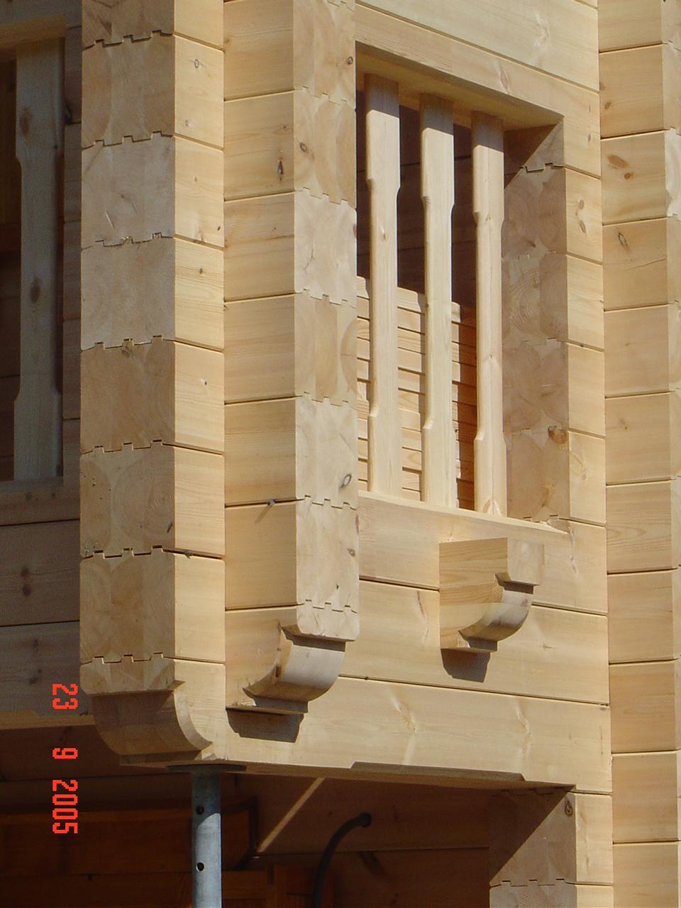 myGartenhaus24_baut_aus_Holz_Ihr_Traumhaus_und_Blockhaus_Balkon_Ecke