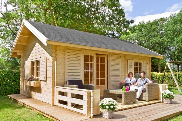 Gartenhaus_Caroline_mit_Terrasse_von_Outdoor_Life_Products
